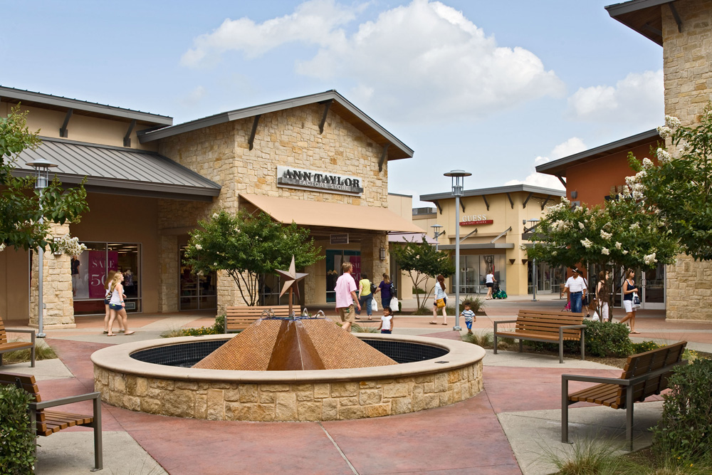 complete list of stores located at round rock premium outlets a shopping center in round rock. Black Bedroom Furniture Sets. Home Design Ideas