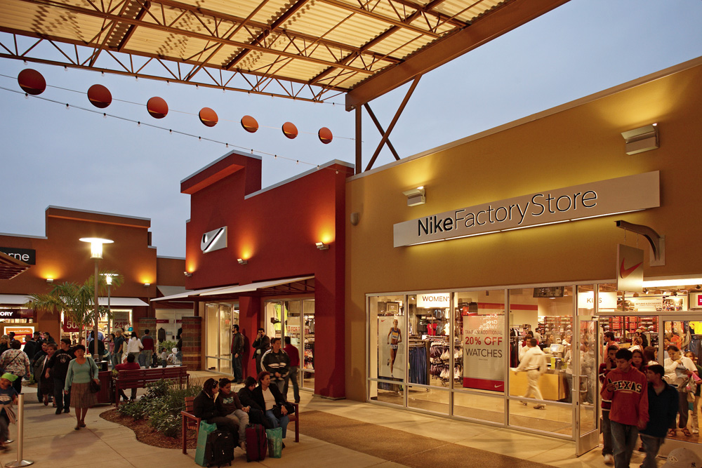 1 day ago · The store will be located at the Rio Grande Valley Premium Outlets, joining Saks Fifth Avenue Off 5th, Gap Outlet, Banana Republic Factory and Express Factory Outlet, among others.