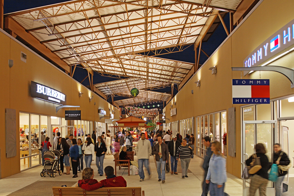 About rio grande valley premium outlets a shopping for Center mobili outlet