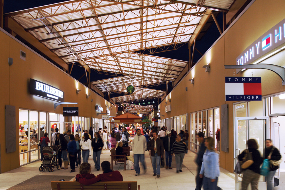 Among the stores at Rio Grande Valley Premium Outlets features an Armani Exchange, Burberry, Coach, Columbia Sportswear, Michael Kors, Nike and Polo Ralph Lauren Factory Store. Conveniently located in the center of subtropical Rio Grande Valley at the southernmost tip of Texas.