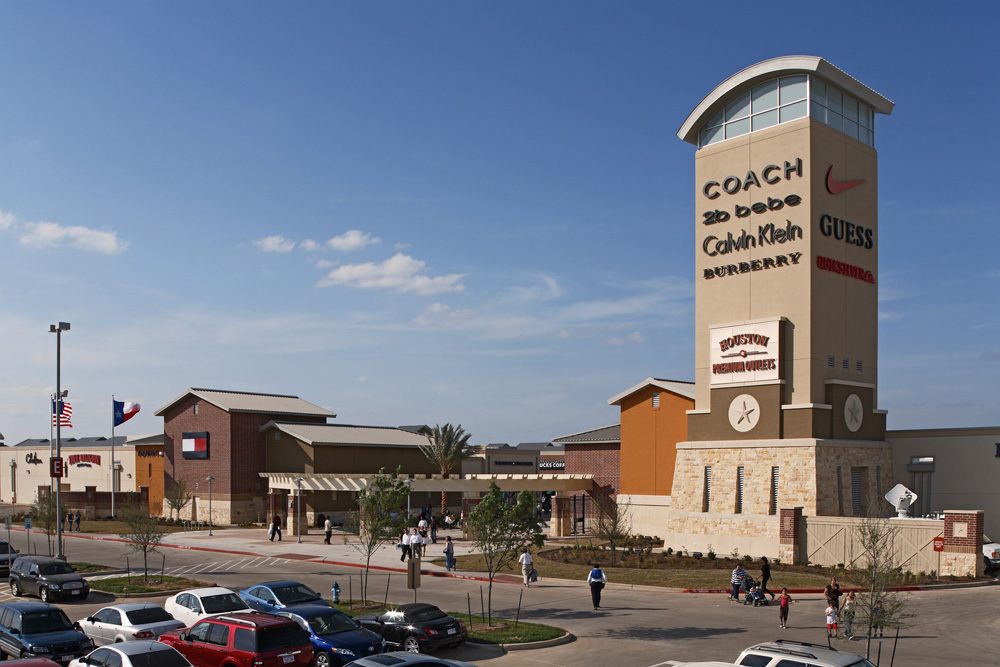 Texas City, Texas, is part of the Houston-The Woodlands–Sugar Land metropolitan area and it is also home to Tanger Outlets in Houston. It is an attractive open-air outlet center where bargain hunters can spend the day shopping over 75 outlet stores and favorite brands like American Eagle Outfitters, Brooks Brothers Factory Store, Chico's.