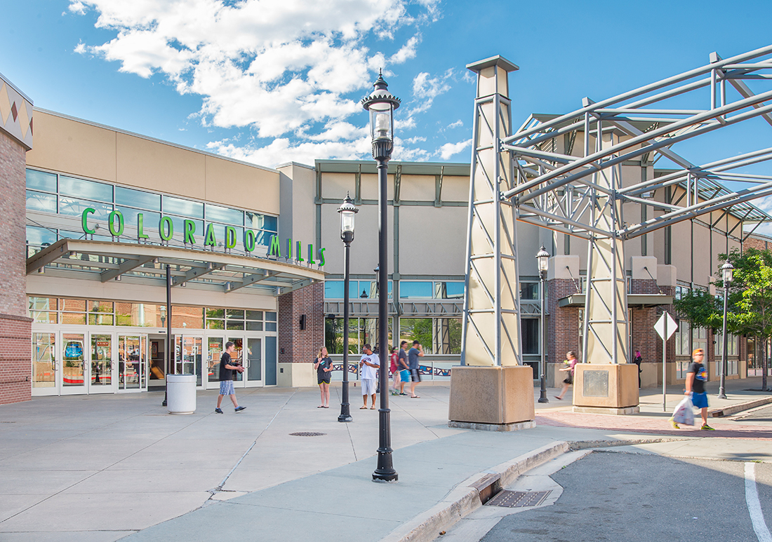 About St Louis Premium Outlets  A Shopping Center in