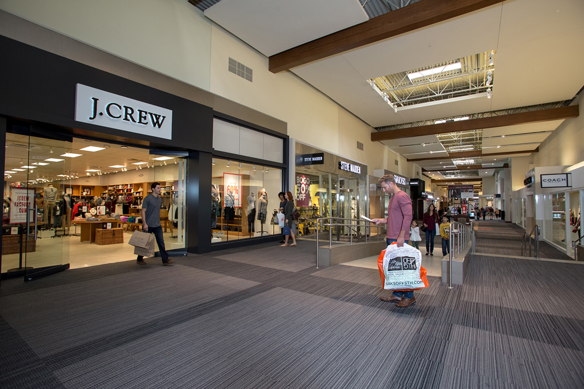 Grapevine Mills is a diverse-scale (outlet) shopping mall in Grapevine, Texas in the Dallas-Fort Worth gassws3m047.gaine Mills currently totals over 1,, square feet (, m 2) in size.. Grapevine Mills opened on October 30, , and is one of the largest malls owned by The Mills platform of .