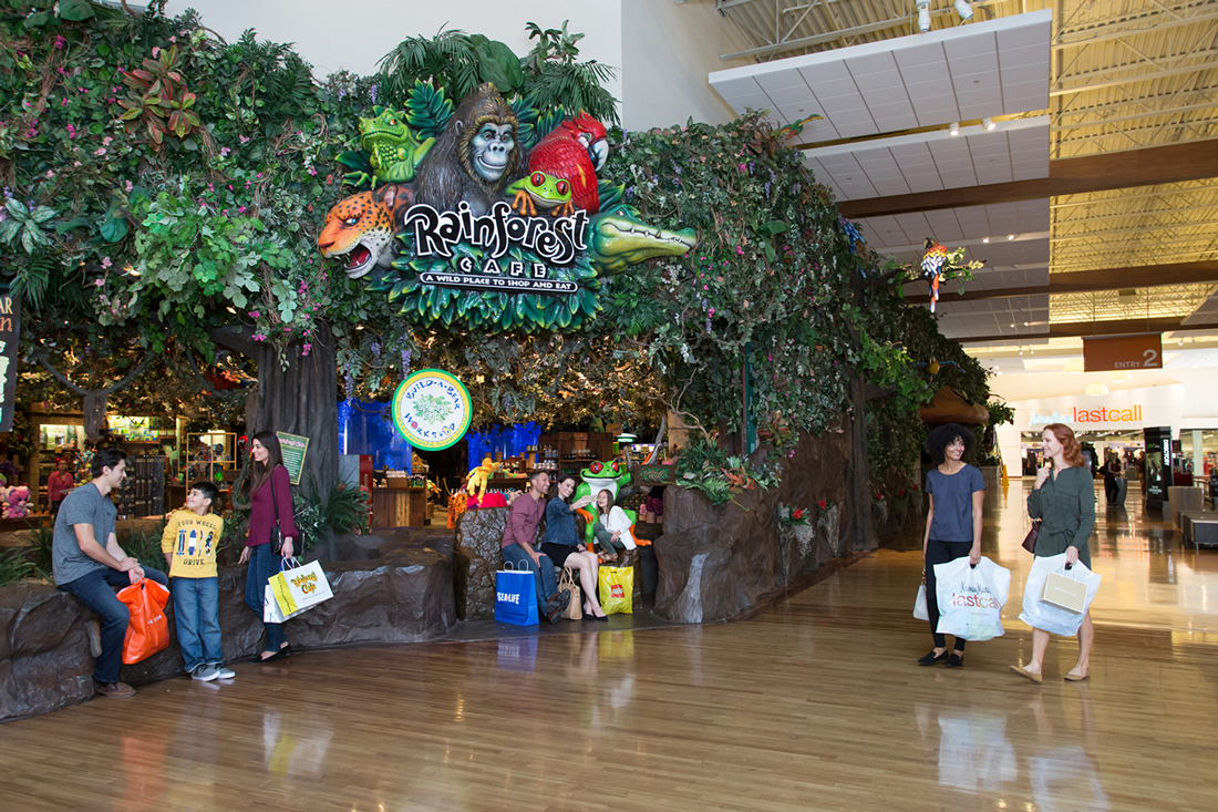 Find all of the stores, dining and entertainment options located at Grapevine Mills®.