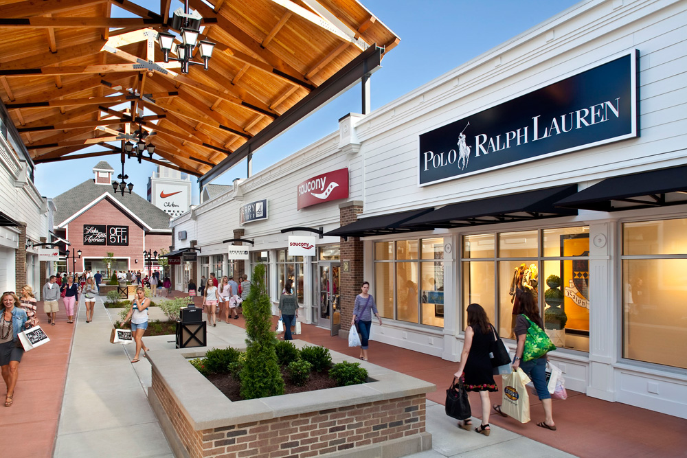 Nice outlet not far from Boston (MA), one competitive thing about this Premium Outlet it's location in New Hampshire; this means no sales tax The outlet is not huge, but you will find a decent selection of brands for the entire family.4/4().