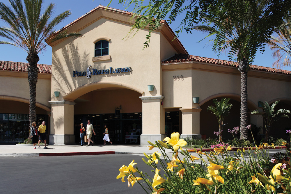 Camarillo Premium Outlets In the mids, multiple large retail centers, including one of California's largest outlet malls [22] and movie theater were built south of US and west of Carmen Drive.