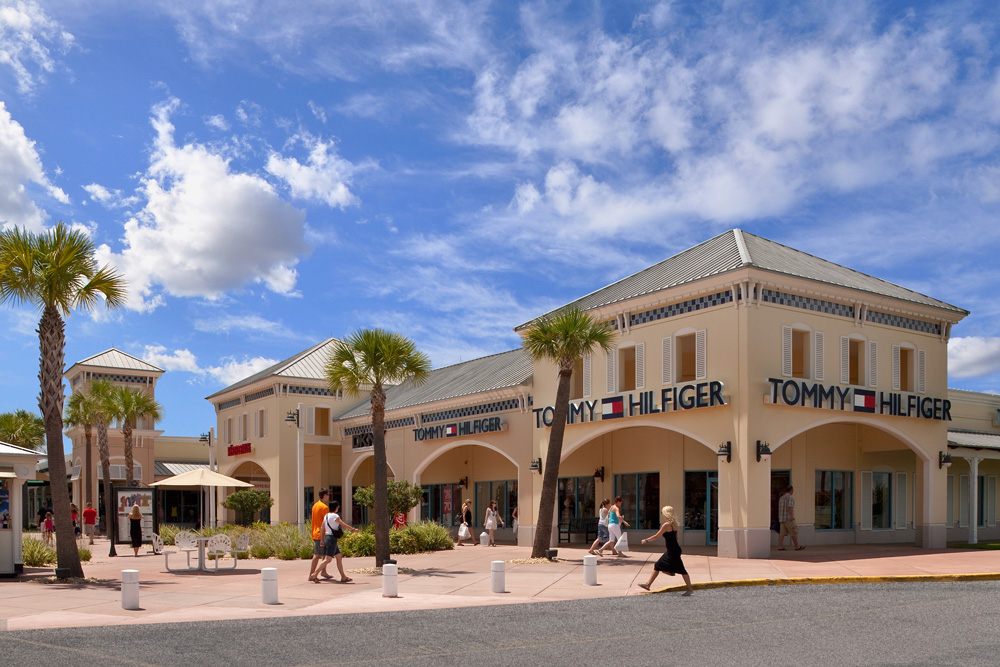 Ellenton Premium Outlets is a perfect shopping stop for the area residents and visitors looking for a delightful wallet-friendly shopping experience any time of the year. The entire team at Ellenton Premium Outlets hopes to see you soon!/5().