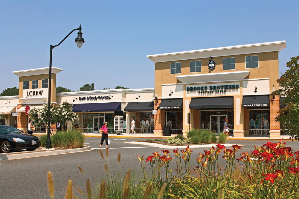 Queenstown Premium Outlets serves the nearby cities of Washington D.C., Baltimore, and Annapolis. Located at the Rt. /50 split, Queenstown Premium Outlet shoppers will enjoy a variety of women and children apparel, shoes, and accessories. So from the entire team at Queenstown Premium Outlets, we hope that you will visit us soon.4/4(49).