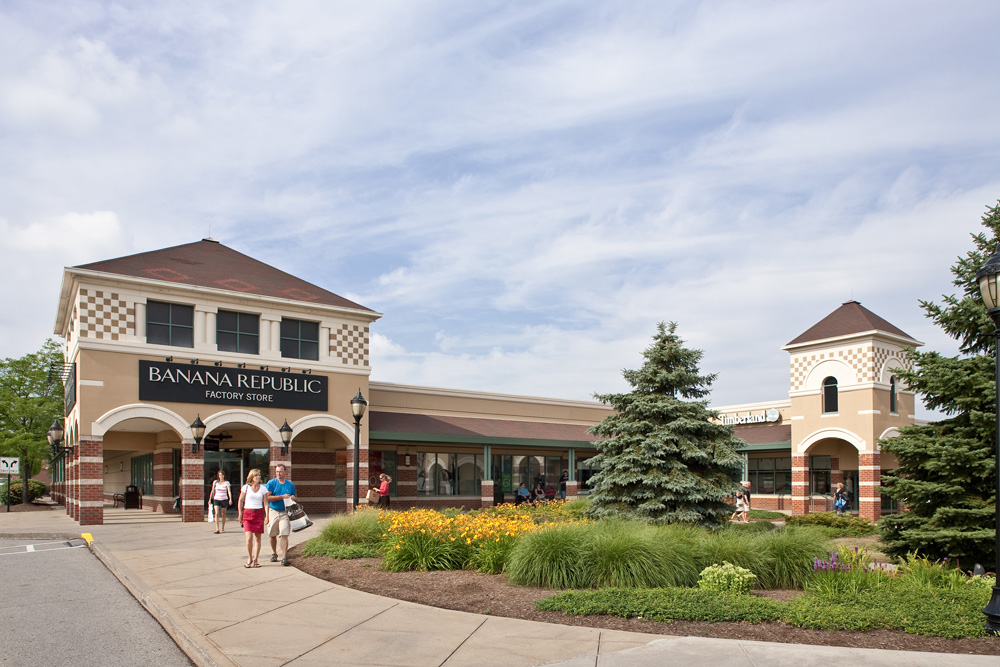 Grove City Premium Outlets is located in Grove City, Pennsylvania and offers stores - Scroll down for Grove City Premium Outlets outlet shopping information: store list, locations, outlet mall hours, contact and address.4/4(3).