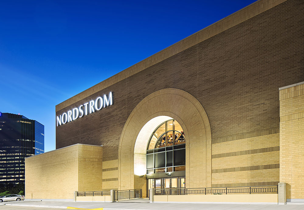 woodfield mall theater hours