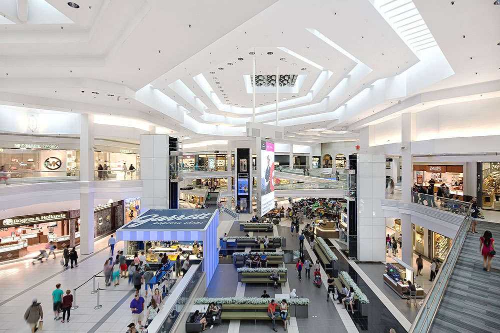 Just 40 minutes west of Chicago, Woodfield Mall is one of the largest shopping destinations in the United States. With more than 2 million square feet of retail shops, restaurants, and family-friendly amenities, Woodfield Mall has a unique mix that creates a 8/10().