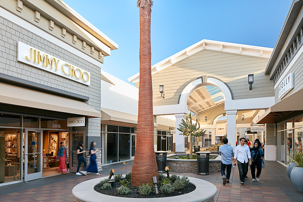 Oct 06,  · Always thought of it as Paragon, and then Livermore Outlet. Turns out that they are now called San Francisco Premium Outlet. Kind of surprising cause SF is about 30 miles away.4/4().