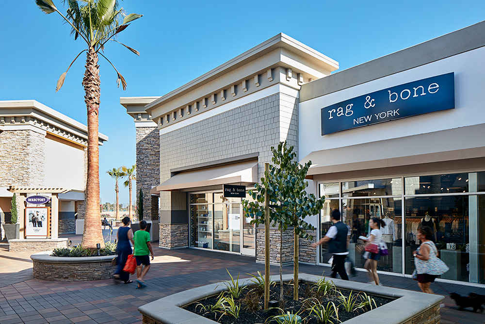 Livermore Valley Premium Outlets will be home to premium factory outlet stores, including Banana Republic Factory Store, Barney's New York Outlet, Cole Haan Company Store, distrib-ah3euse9.tk, Michael Kors, Neiman Marcus Last Call, Nike Factory Store, Saks Fifth Avenue OFF 5TH, Tommy Hilfiger, and many more in a modern, walkable, retail center with over , square feet of leasable area.