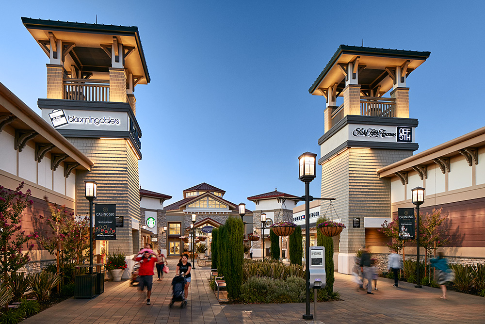 FREE VIP Destination Passport - Houston Premium Outlets. bounddownloaddt.cf Boasting designer and name brand outlet stores, Houston Premium Outlets is a must-visit shopping hotspot for style savvy locals and visitors alike.