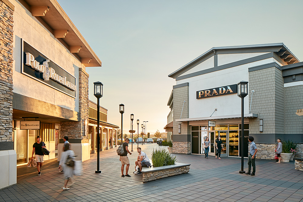Vacaville Premium Outlets in Vacaville is one of the largest outlets with stores, at the intersection of I and Nut Tree Road, 57 miles from San Francisco. Folsom Premium Outlets (Folsom): Located miles from San Francisco, near Sacramento.