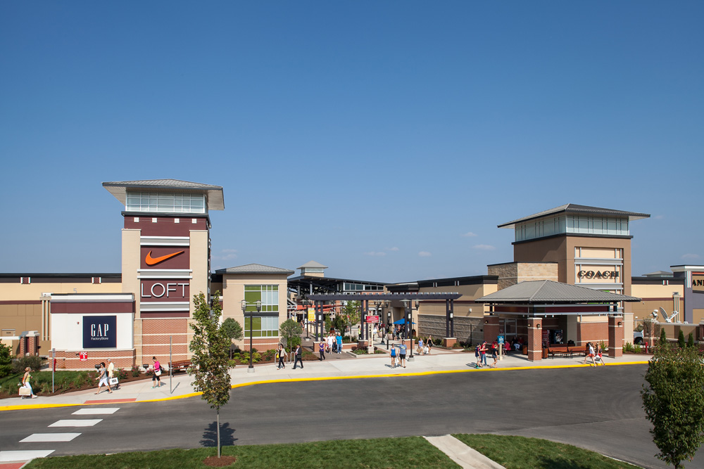 St. Louis Premium Outlets - mall in Chesterfield, Missouri, USA. St. Louis Premium Outlets address Outlet Boulevard, Chesterfield, MO