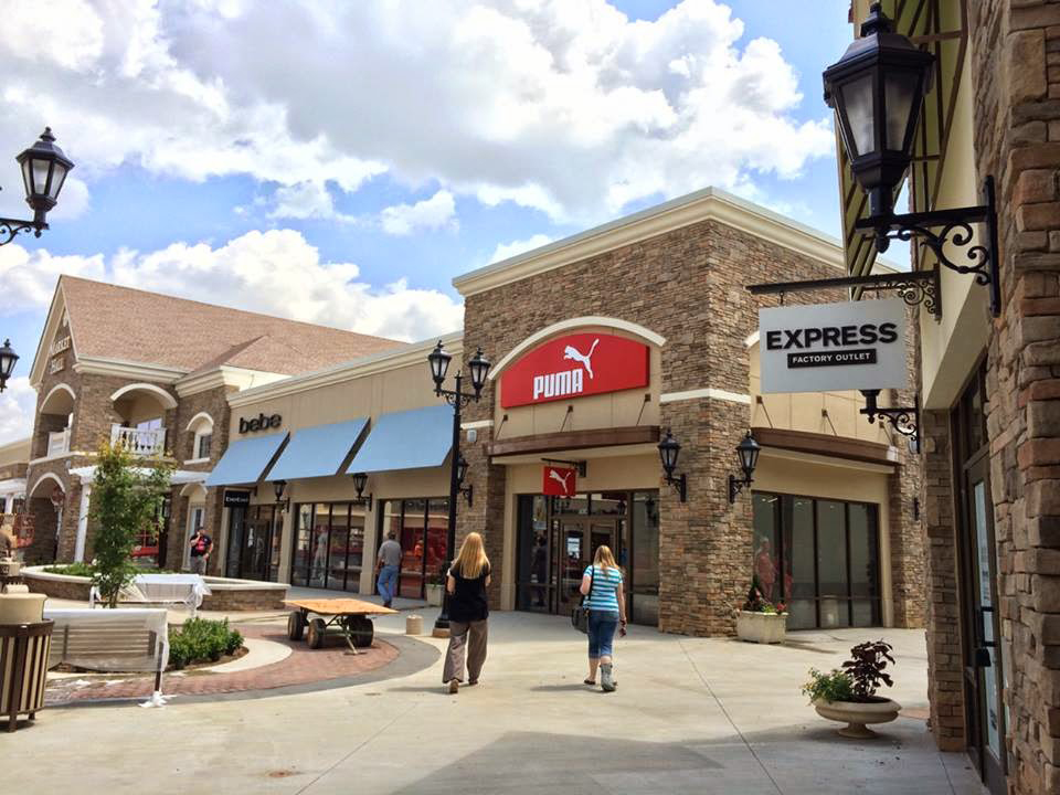 Carolina Premium Outlets The number one reason seven million visitors shop at Carolina Premium Outlets -- great bargains! Located right off I in Smithfield, Carolina Premium Outlets is the largest outlet center in Eastern North Carolina and is only 30 minutes from Raleigh.