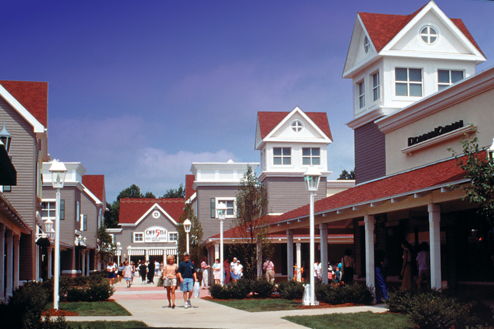Clinton Crossing Premium Outlets®, located along the Connecticut Shoreline, is a charming outdoor village center conveniently located on I en route to Boston or New York. Enjoy savings of 25% to 65% off every day prices featuring more than 70 designer and name brand outlet stores/5().