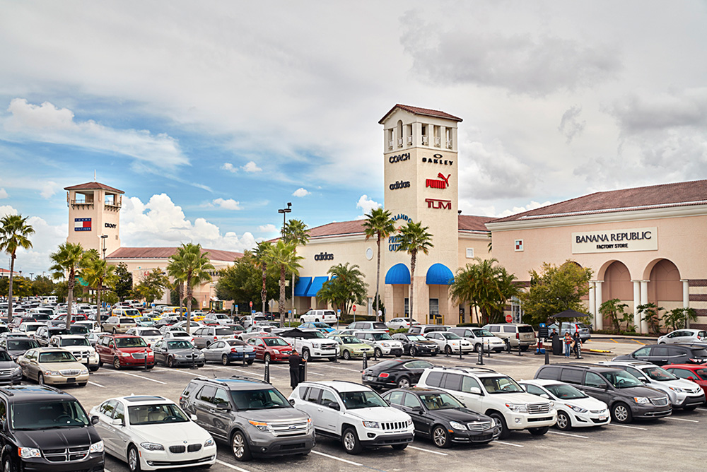 Orlando International Premium Outlets®, Florida's largest and most unique outlet shopping destination, is conveniently located less than three miles from Universal /5().