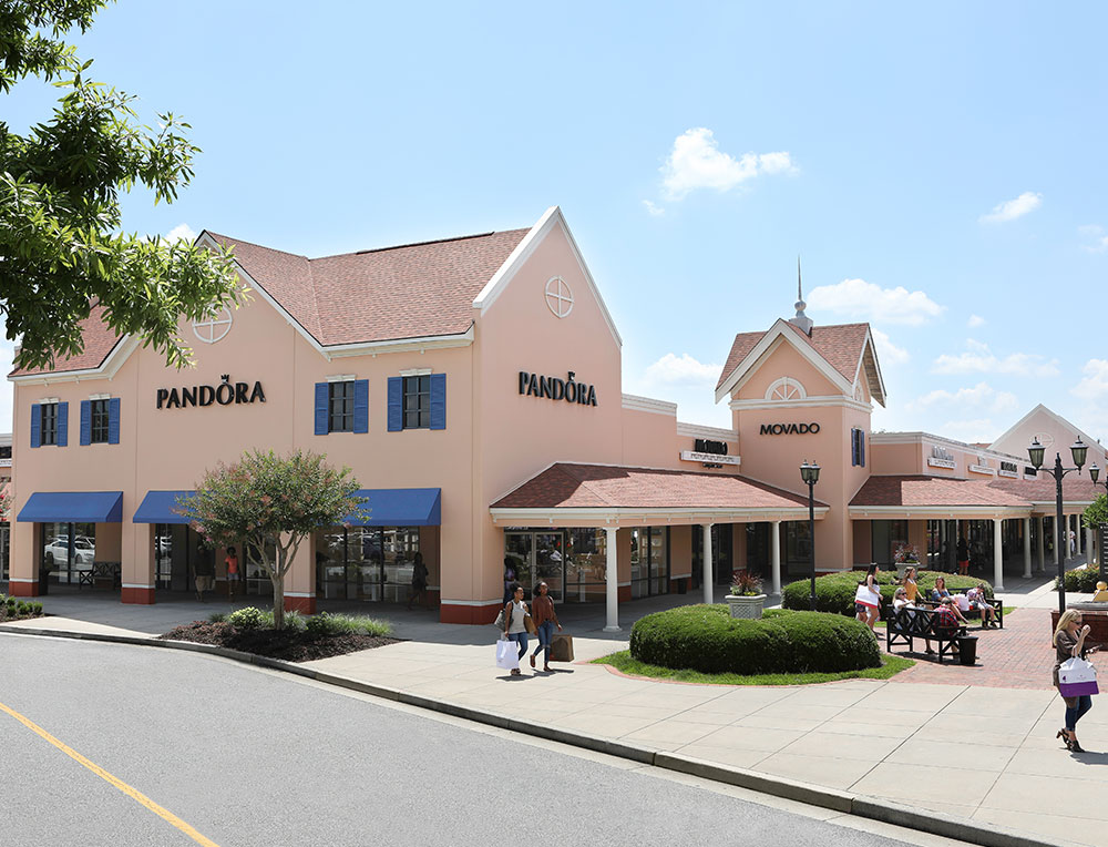 North Georgia Premium Outlets is an outdoor Georgian-style village located 45 minutes north of Atlanta on Highway Shop more than outlet designer and name-brand outlet stores including Burberry, Coach, Gap Outlet, Nike, Pottery Barn Outlet, and Polo Ralph Lauren Factory Store.