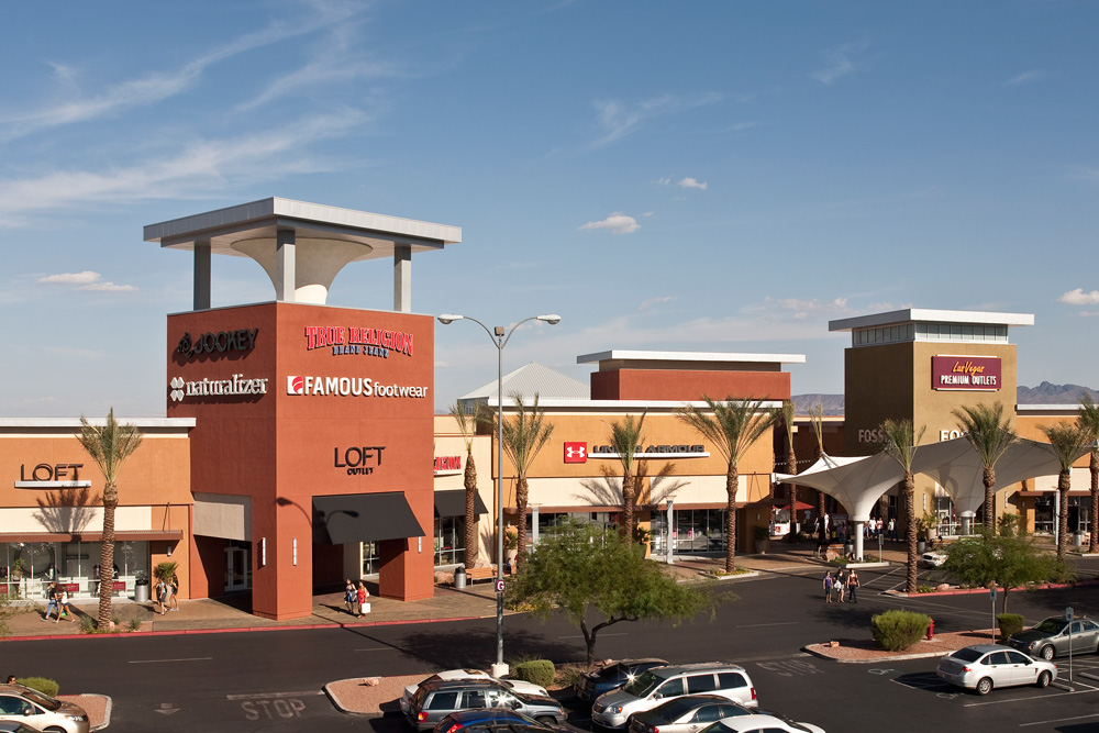 Sep 22,  · Las Vegas Premium Outlets - South features an impressive collection of the finest brands for you, your family and your home. Include a shopping stop during your next trip to Las Vegas. Located at the south end of the strip, you're sure to find more. Open Now.4/4(K).
