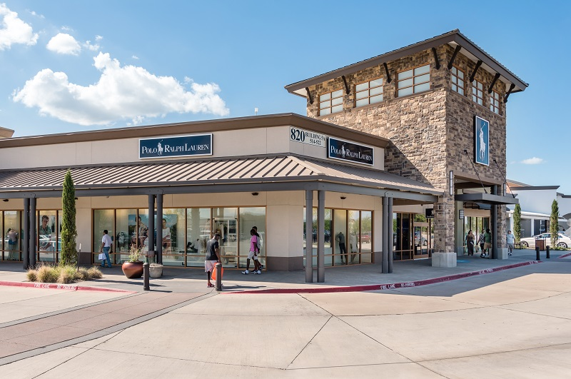 Allen Premium Outlets® is conveniently located just north of Dallas, on US 75 and Stacy Rd. (exit #37), and features favorite stores such as Kate Spade New York, Michael Kors, Nike Factory Store, Polo Ralph Lauren Factory Store, Under Armour and many more/10(2).
