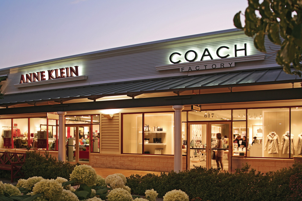 Find all of the stores, dining and entertainment options located at Leesburg Corner Premium Outlets®.